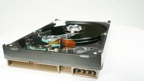 Movimentação de disco rígido na tabela da rotação, tiro macro filme