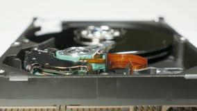A movimentação de disco rígido na tabela no estúdio, segue o foco video estoque