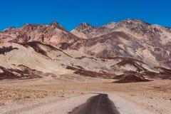A movimentação do artista no parque nacional de Vale da Morte Califórnia foto de stock
