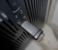 Movimentação do polegar no porta usb do desktop Foto de Stock Royalty Free