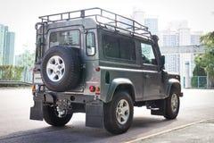 Movimentação do teste de Rover Defender 2014 da terra imagens de stock royalty free