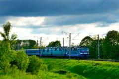 Movimenti del treno elettrico Spostamento di inclinazione Fotografia Stock