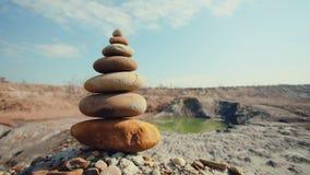 MOVIMENTO DA ZORRA: Equilíbrio das pedras Termas ou bem estar video estoque