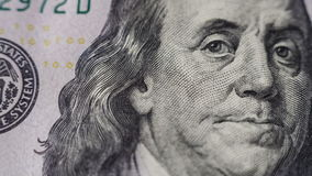 Movimento da zorra Feche acima das cem notas de dólar nova video estoque