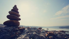 MOVIMENTO DA ZORRA: O montão das pedras contra video estoque