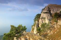 Movimento delle nuvole sulla montagna Merdven-Kayasy. Fotografia Stock