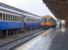 Movimento di partenza locomotiva del treno diesel Fotografia Stock Libera da Diritti