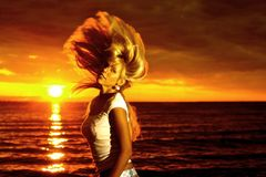 Movimento dourado do cabelo Imagens de Stock