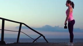 Movimento lento - desportista que dá certo na praia filme
