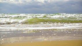 Movimento lento eccellente Wave avvolto con schiuma video d archivio