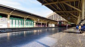 Movimento locomotivo do lapso de tempo conectar o vagão do trem filme