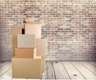 movimento lotti delle scatole di cartone su fondo Immagine Stock