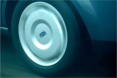 Movimiento auto de la rueda foto de archivo