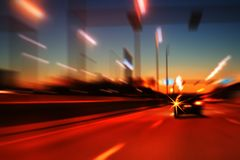 Movimiento de la carretera de la noche Fotos de archivo libres de regalías