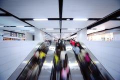 Movimiento de la escalera móvil Foto de archivo