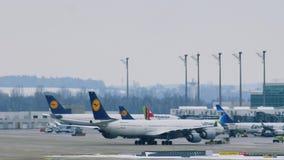 Movimiento del aeropuerto en el aeropuerto MUC de Munich