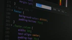 Movimiento en sentido vertical del programador hacia arriba y hacia abajo y comprobando el código para saber si hay corregir conc almacen de video