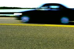 Moving автомобиль стоковое изображение rf