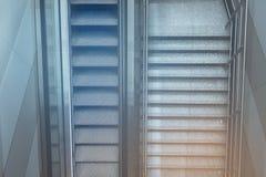 Moving лестница и шаги внутренний стержень воздуха Стоковые Фотографии RF