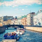 Moyka河在圣彼德堡 抽象背景同类的照片结构葡萄酒 库存图片