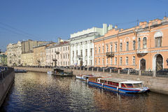 Moyka河的堤防在圣彼得堡,俄罗斯 库存照片