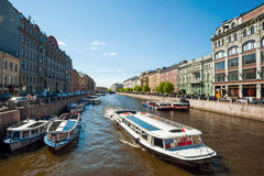 Moyka flod, St Petersberg, Ryssland Arkivbilder