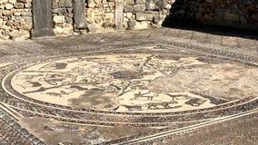 Mozaïek van de Roman oude ruïnes van de Volubilis-stad in Unesco, Marokko stock footage