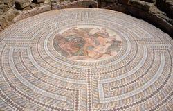 Mozaik podłoga - bitwa Theseus i minotaur w labityncie, Cypr obraz stock