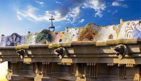 Mozaiki ławka w parkowym Guell. Barcelona punkt zwrotny, Hiszpania. Fotografia Stock