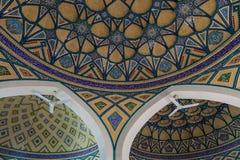 Mozaiki salowa dekoracja kopuła przy Imamzadeh Helal Ali hrabstwem, Iran zdjęcie royalty free