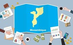 Mozambik Africa gospodarki kraju narodu wzrostowa drużyna dyskutuje z fałd map widokiem od wierzchołka Fotografia Royalty Free