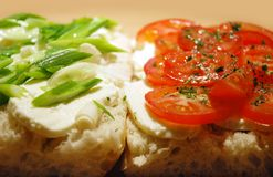 Mozarella en tomaten Stock Afbeeldingen