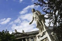 Mozart Memorial i Burggarten, Wien Arkivbild