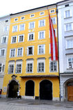 Mozarts Geburtshaus i Salzburg, Österrike Royaltyfria Bilder