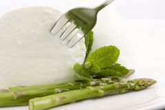 Mozzarella and asparagus Royalty Free Stock Images