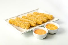 Mozzarella frit avec de la sauce photo libre de droits