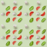 Mozzarella, pomodori ciliegia e basilico fresco fotografie stock