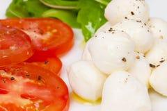Mozzarella- und Tomatesalat Stockfotografie
