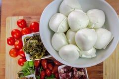 Mozzarella y aperitivos del búfalo Fotografía de archivo libre de regalías