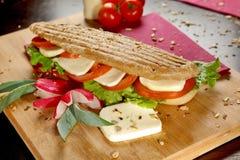 Mozzarellasmörgås arkivfoto