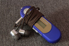 MP3 φορέας με τα ακουστικά Στοκ εικόνες με δικαίωμα ελεύθερης χρήσης