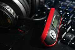 MP3-Player mit Kopfhörern Stockbilder