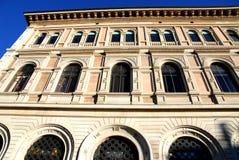 Mportant和美丽的大厦在圣后Petronio大教堂在波隆纳在伊米莉亚罗马甘(意大利) 库存图片