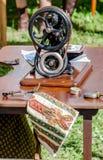 máquina de coser de la máquina antigua Foto de archivo