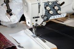 máquina de costura do lockstitch da Único-agulha Imagens de Stock