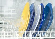 Máquina de lavaplatos Fotografía de archivo libre de regalías