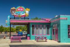 Mr D'z trasy 66 gość restauracji w Kingman lokalizował na historycznej trasie 66 obrazy royalty free