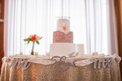 Mr and mrs cake Royalty Free Stock Photography
