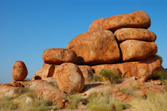 Mármol del diablo, Australia interior Imagen de archivo libre de regalías