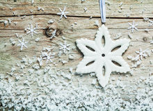 Mroźny Bożenarodzeniowy płatka śniegu tło Obrazy Stock